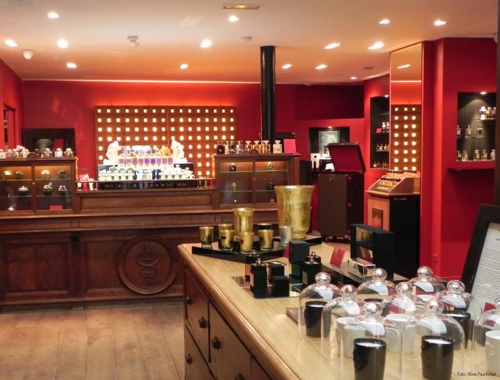 Interior da Jovoy Parfums Rares (2)