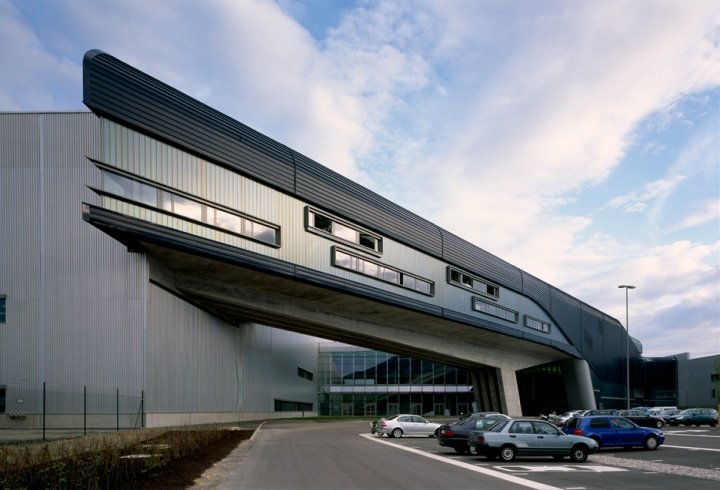 bmw-central-building