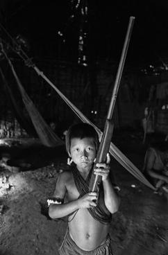 Índio Kayapó, Aldeia Kubenkrankren, PA/1982 Crédito: Nair Benedicto/N Imagens