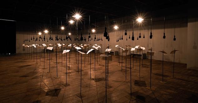 OBRA DE ARTE DA SEMANA: Shilpa Gupta na Bienal de Veneza